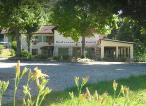 Hotel Restaurant La Source - Aix Les Bains - Comparelend
